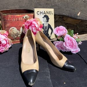 Chanel Two toned Heels Size 8.5